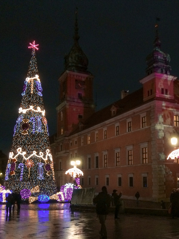 Christmas tree by the castle in Warsaw's Old Town