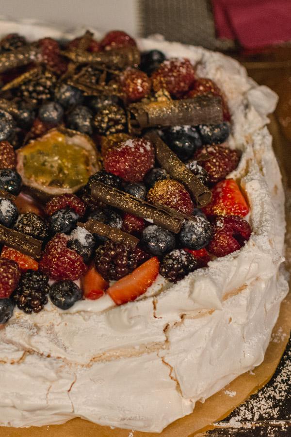 A delicious pavlova cake