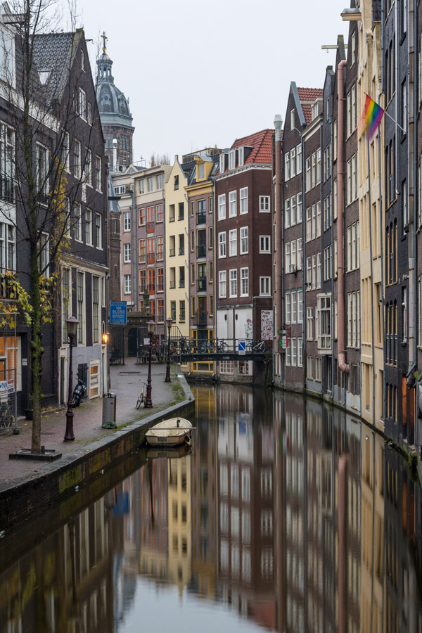 Waking up early is one of our 5 things to do in Amsterdam