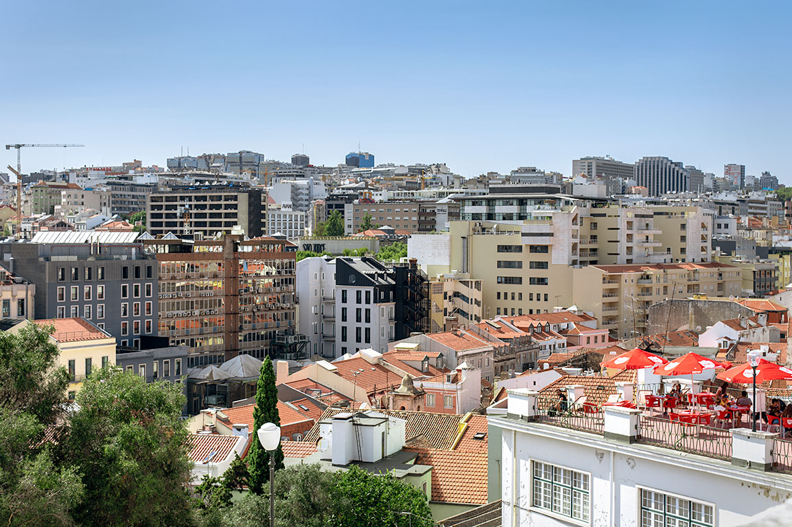 Jardim do Torel: Buildings, old and new, and a terrace café in Lisbon
