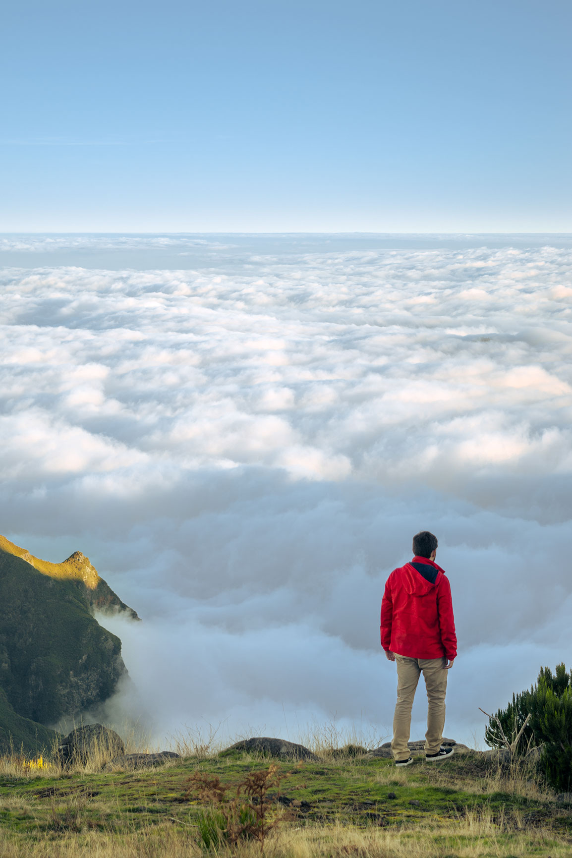 Rui above the clouds in the Vereda do Pico Ruivo in Madeira